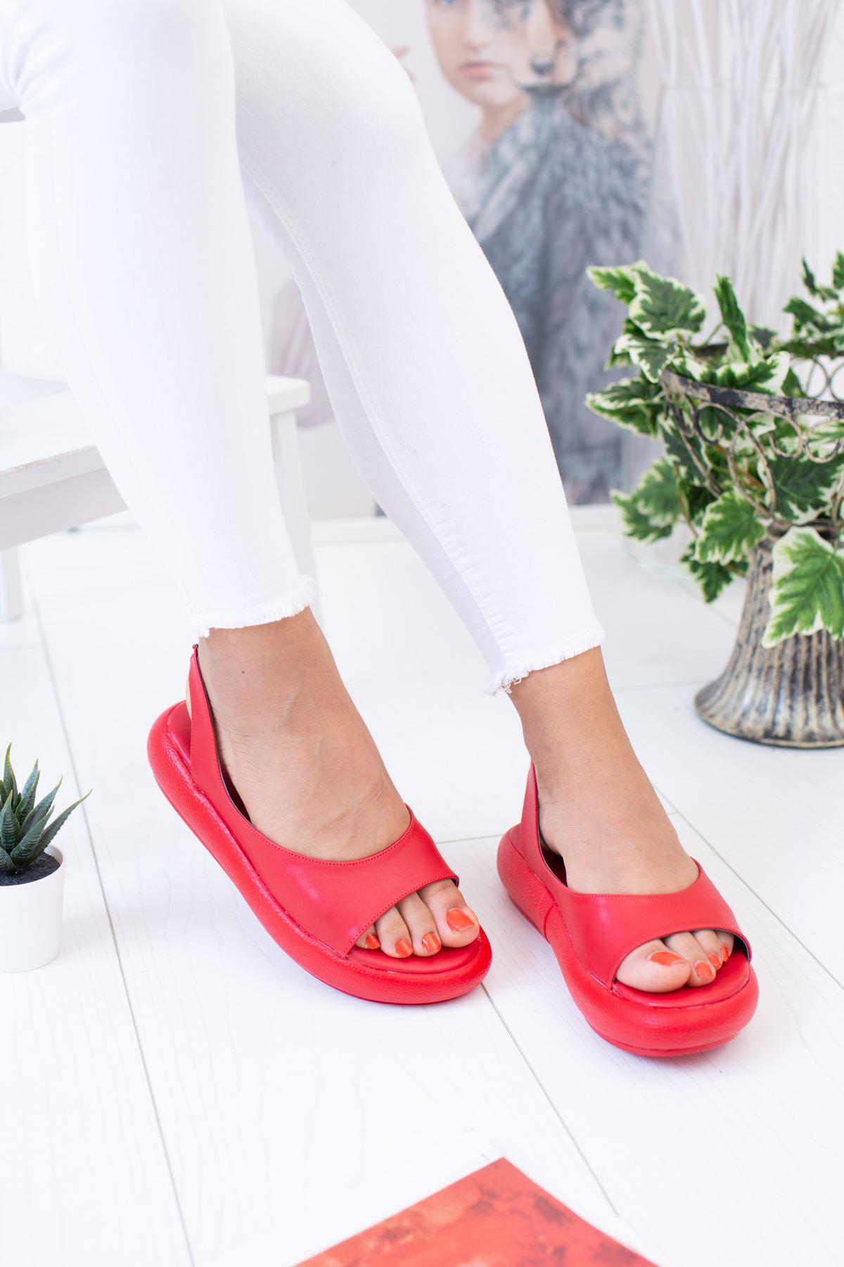 Balon Taban Arkası Lastikli Kırmızı Sandalet