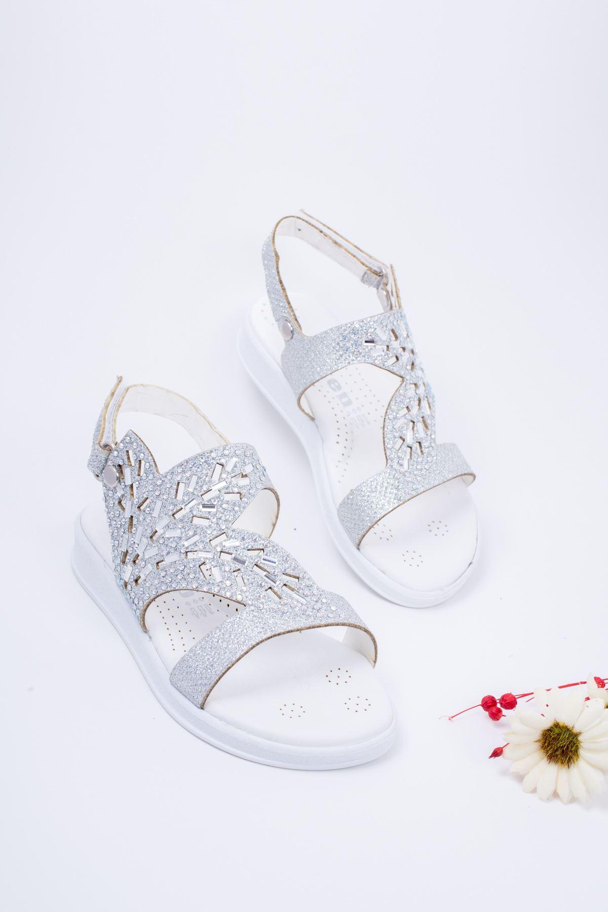 Taşlı Gümüş Çocuk Sandalet