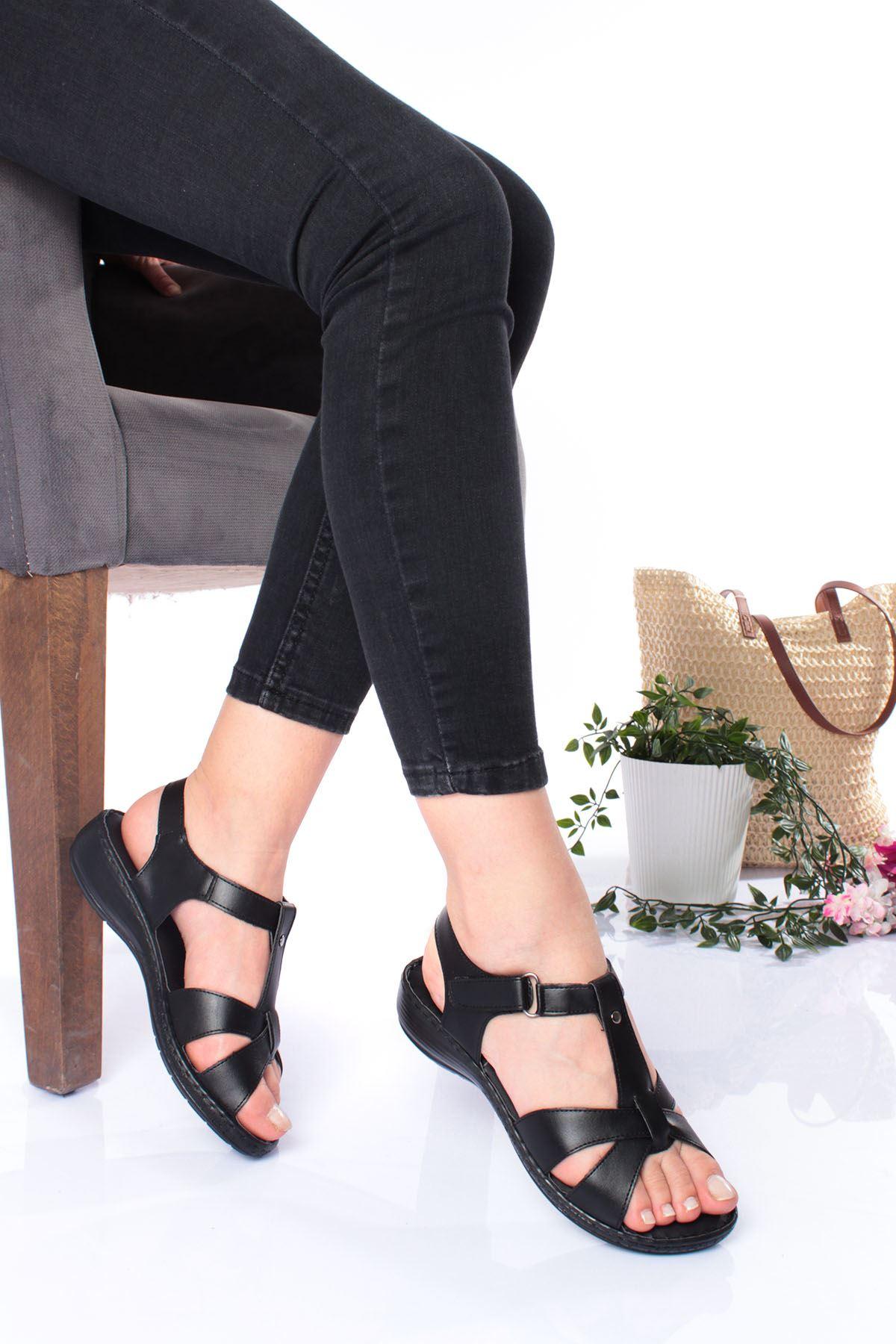 Ortopedik Ped İçi Deri Alçak Taban Siyah Sandalet