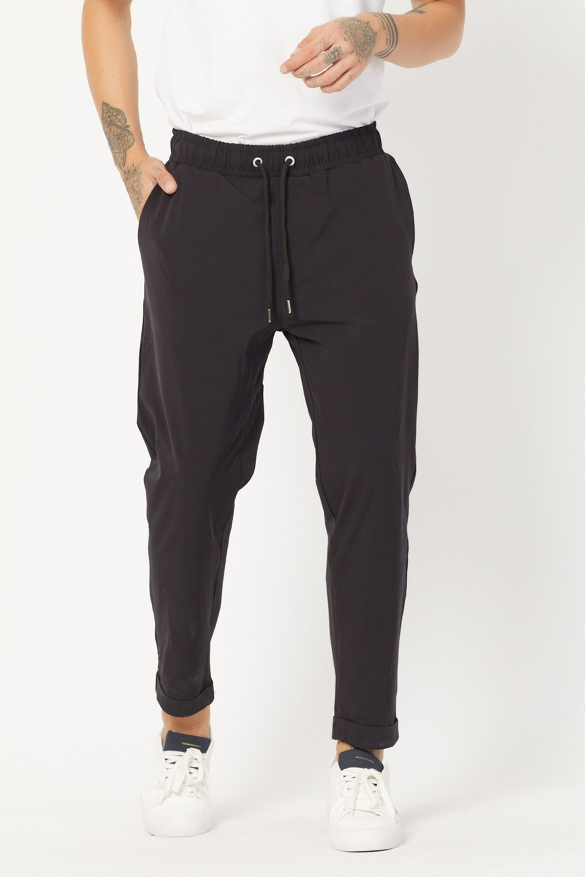 Beli Lastikli Dar Kesim Kumaş Pantolon