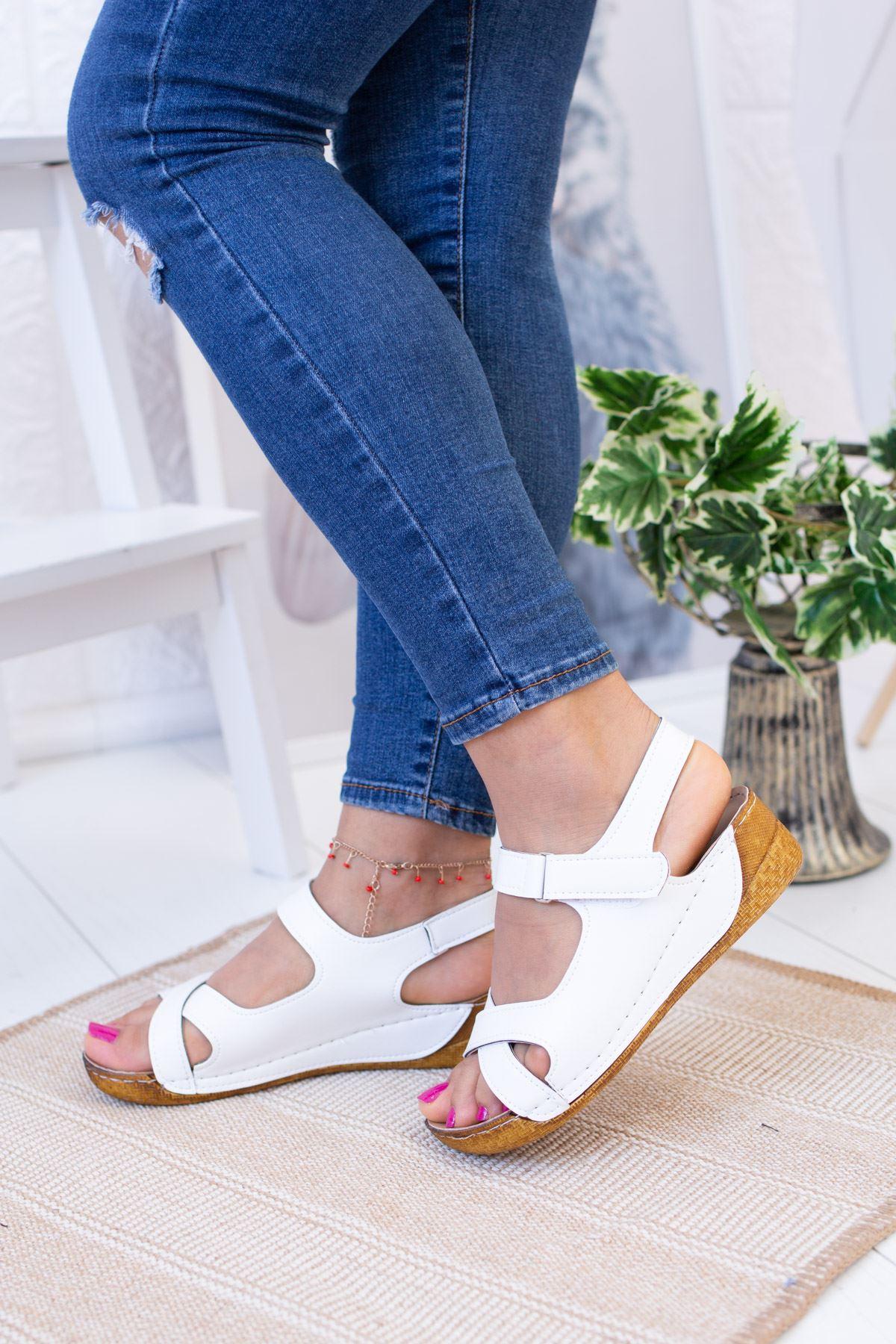 Çapraz Model Beyaz Cilt Sandalet