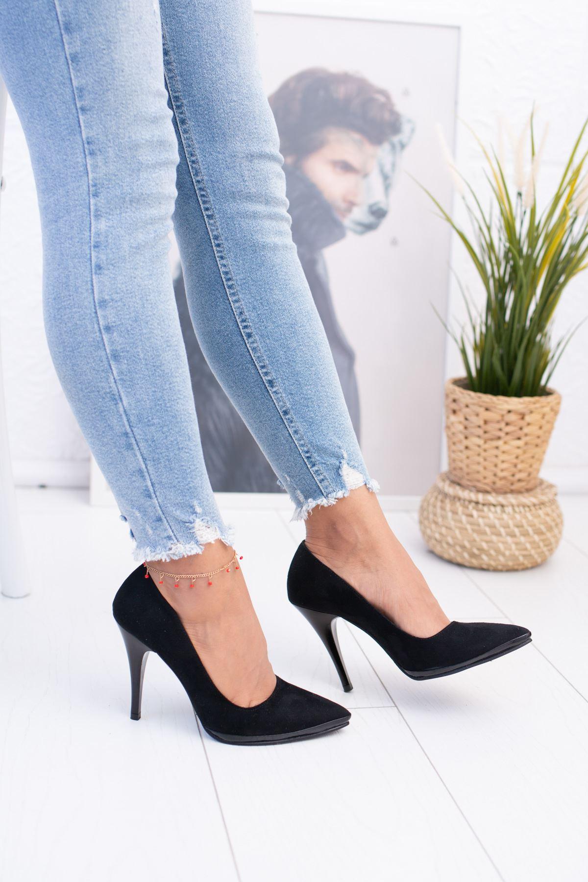 Sivri Burun Çivi Topuk Siyah Süet Ayakkabı