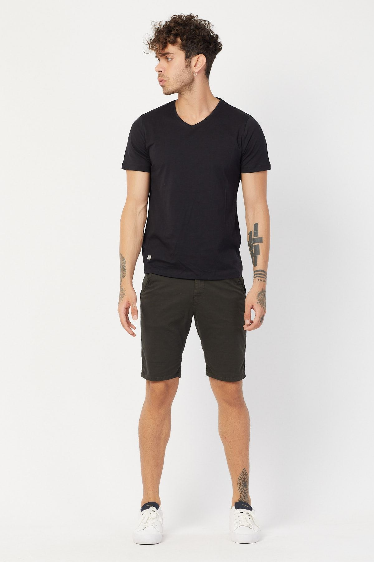 V Yaka Basic T-shirt