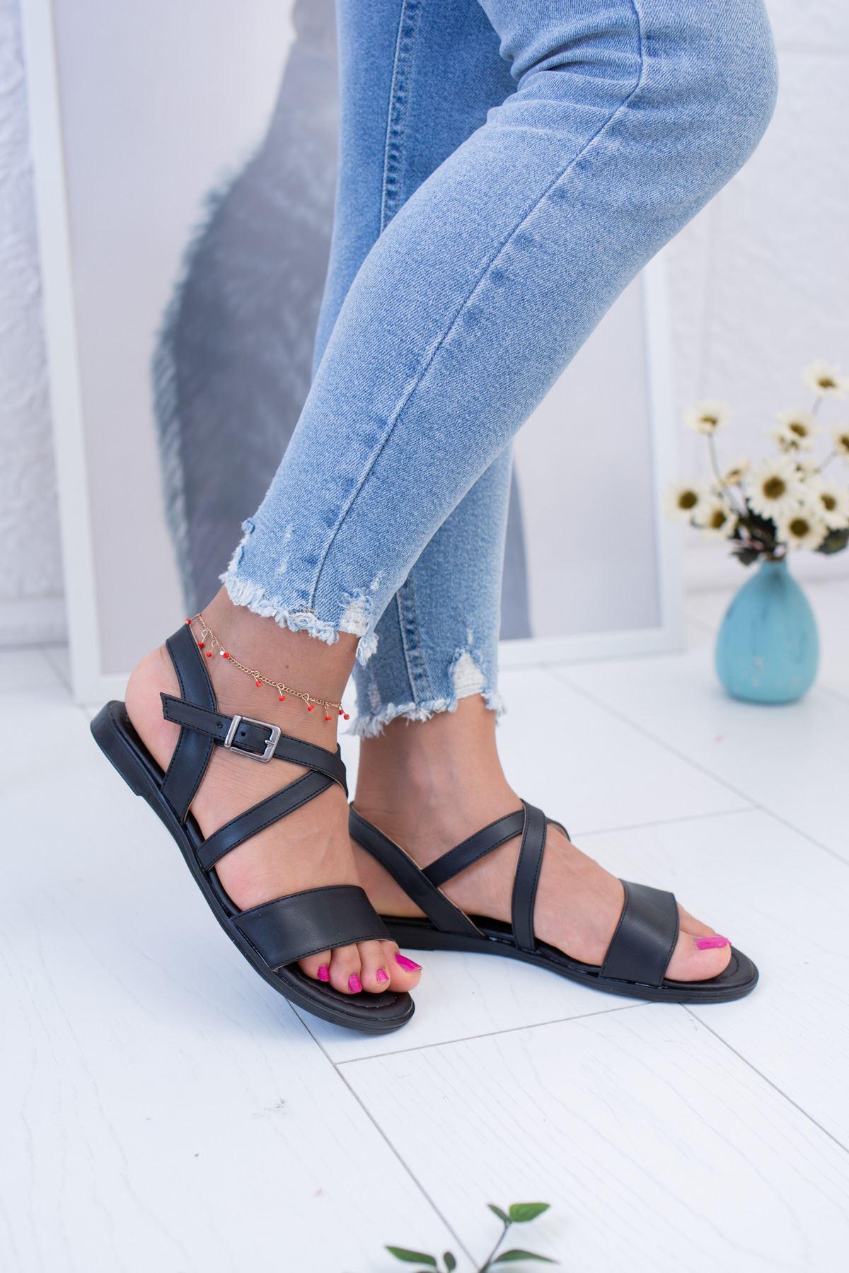 Çapraz Siyah Cilt Sandalet