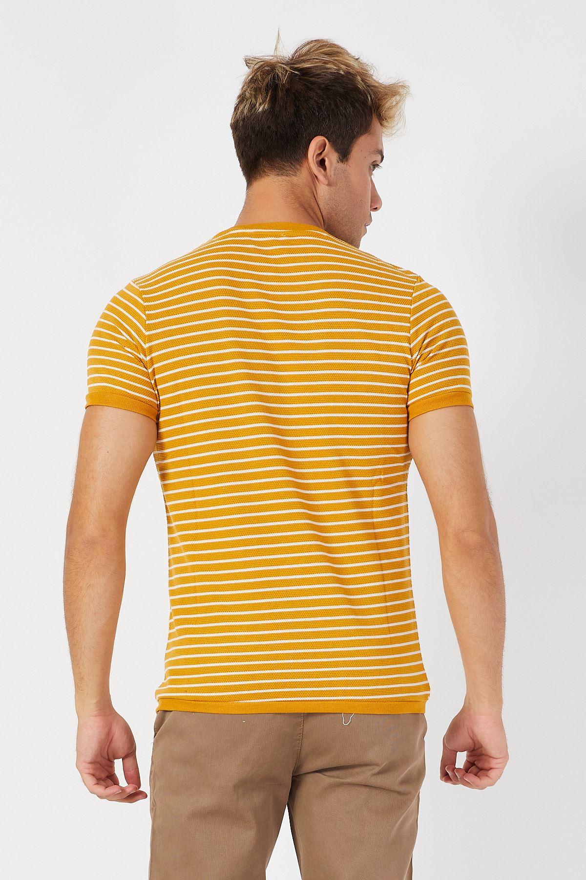 Bisiklet Yaka Çizgili T-shirt