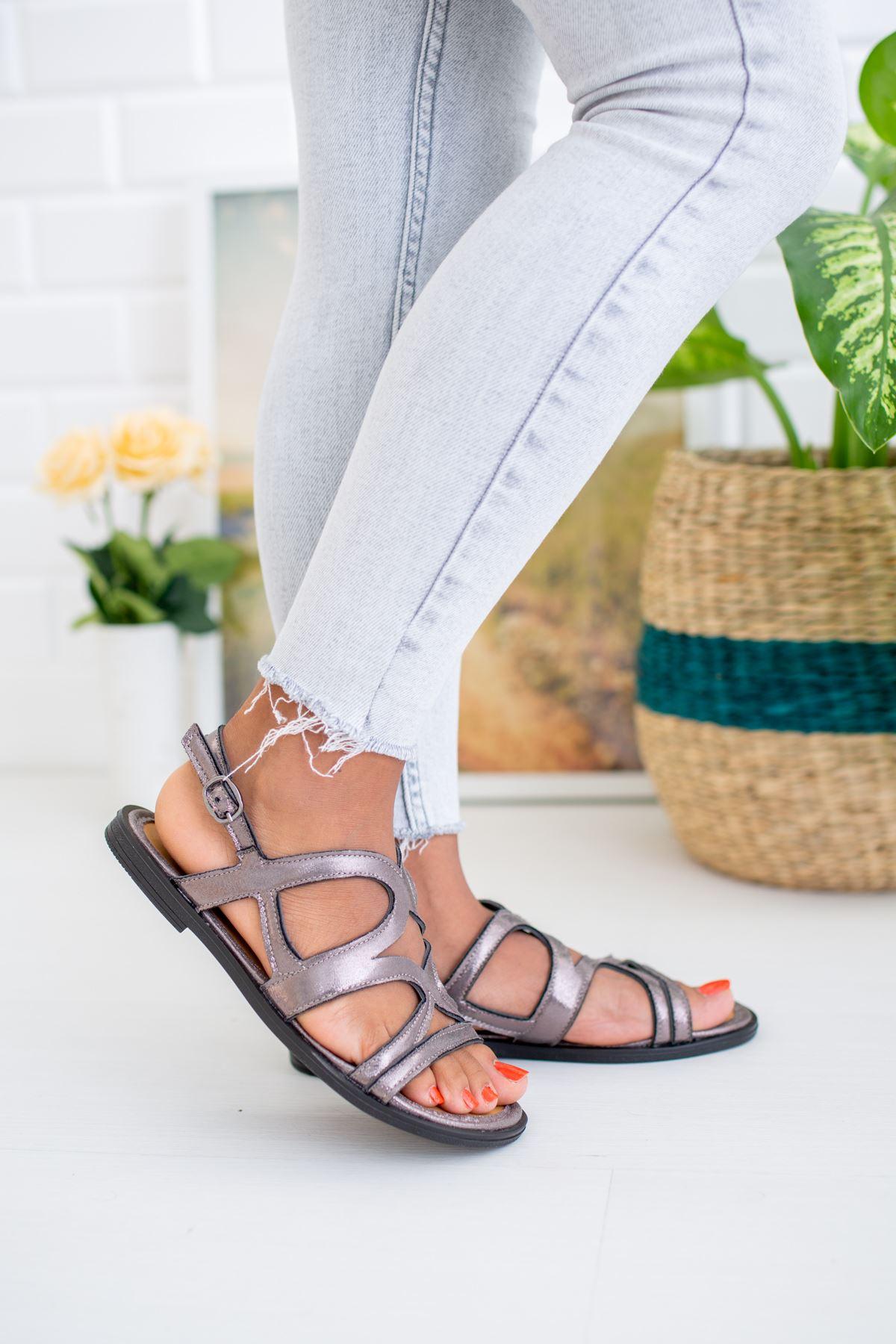 Çapraz Bant Platin Sandalet