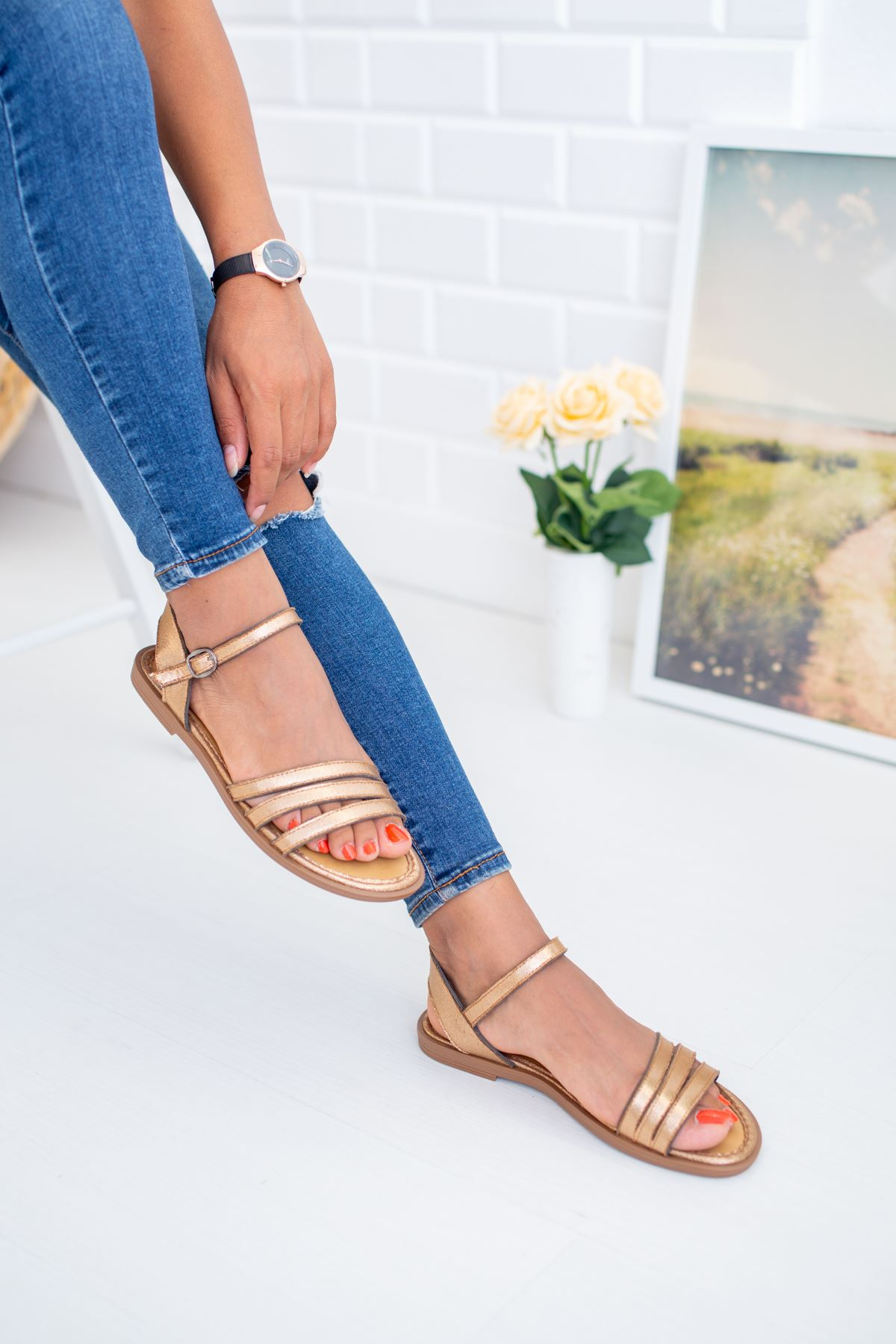 3 Bantlı Altın Sandalet