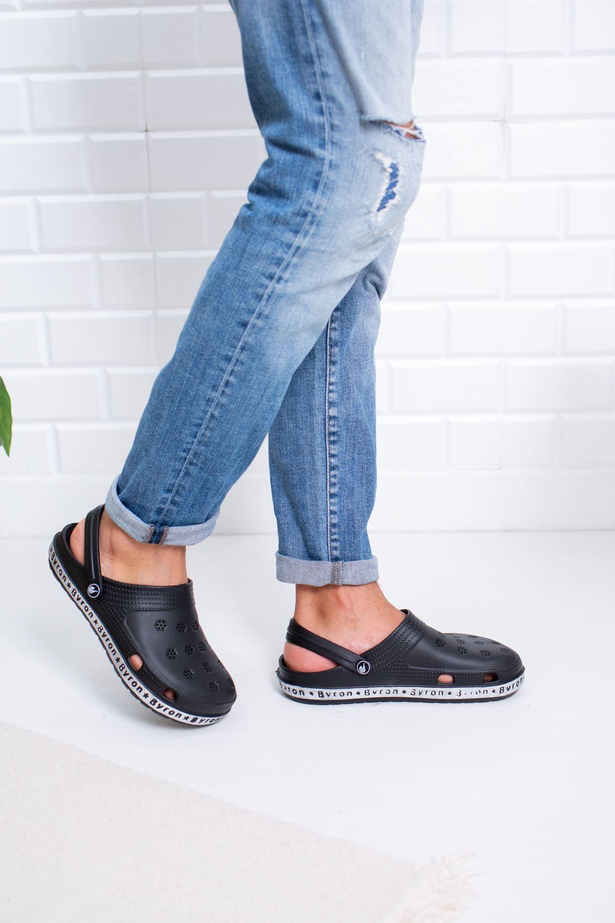 Burnu Kapalı Siyah Sandalet Terlik