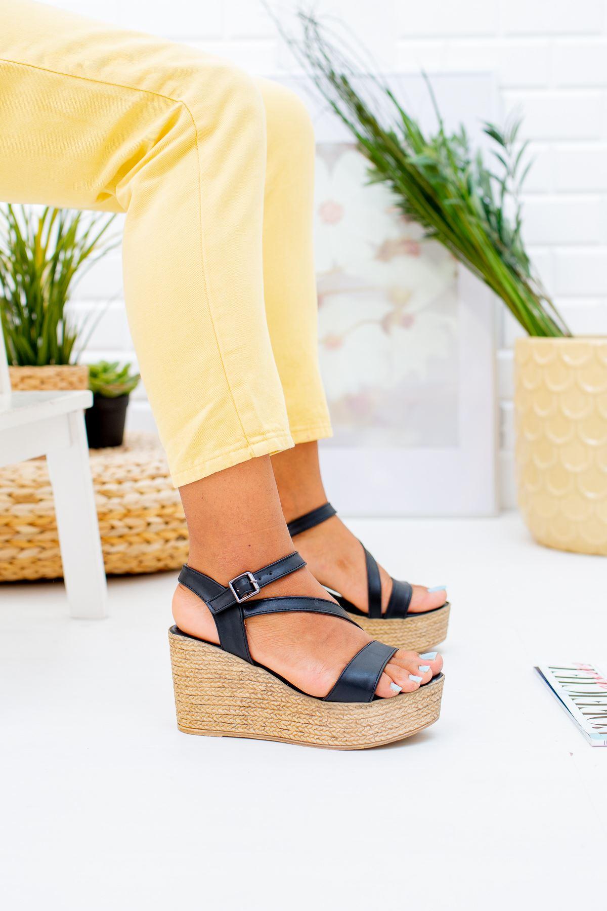 Dolgu Taban Tek Bant Sandalet