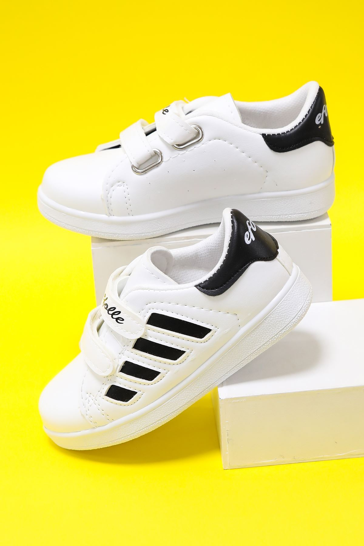 Beyaz Yanı Siyah Şeritli Çocuk Ayakkabı