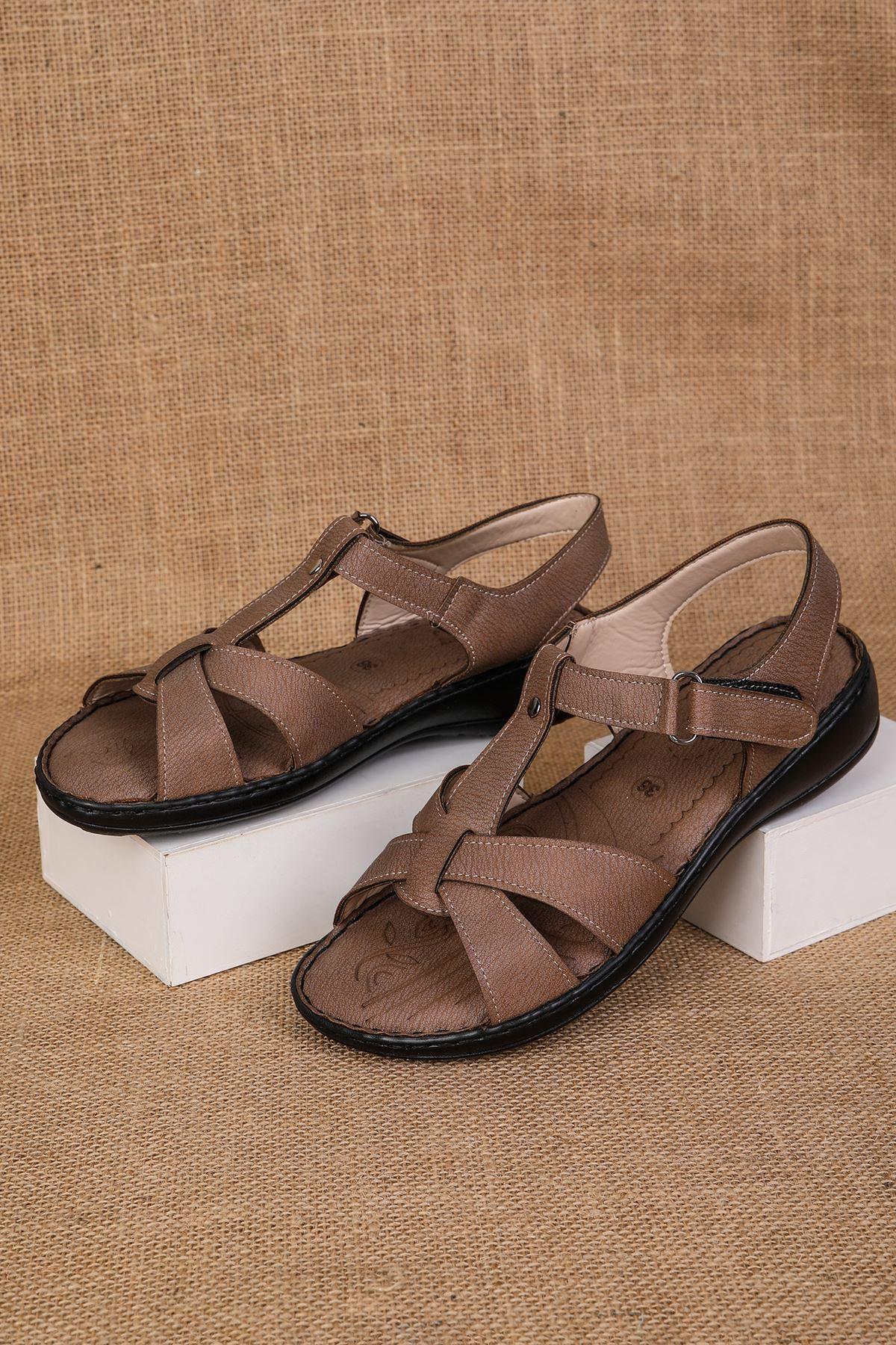 Çapraz Direkli Model Ortopedik Kahve Sandalet