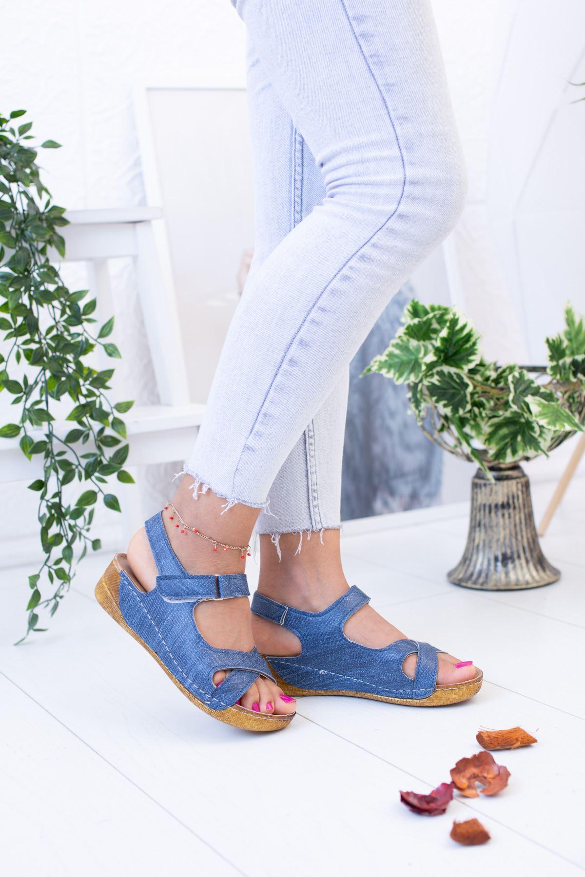 Çapraz Model Mavi Sandalet