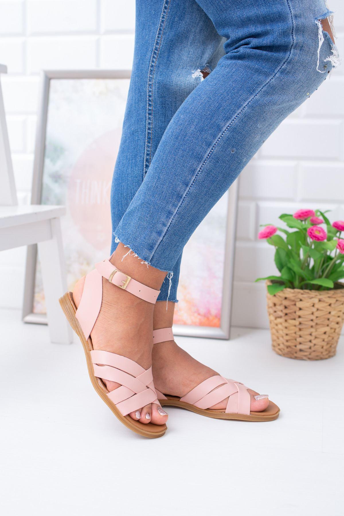 Bilekten Bağlamalı Çapraz Bant Sandalet