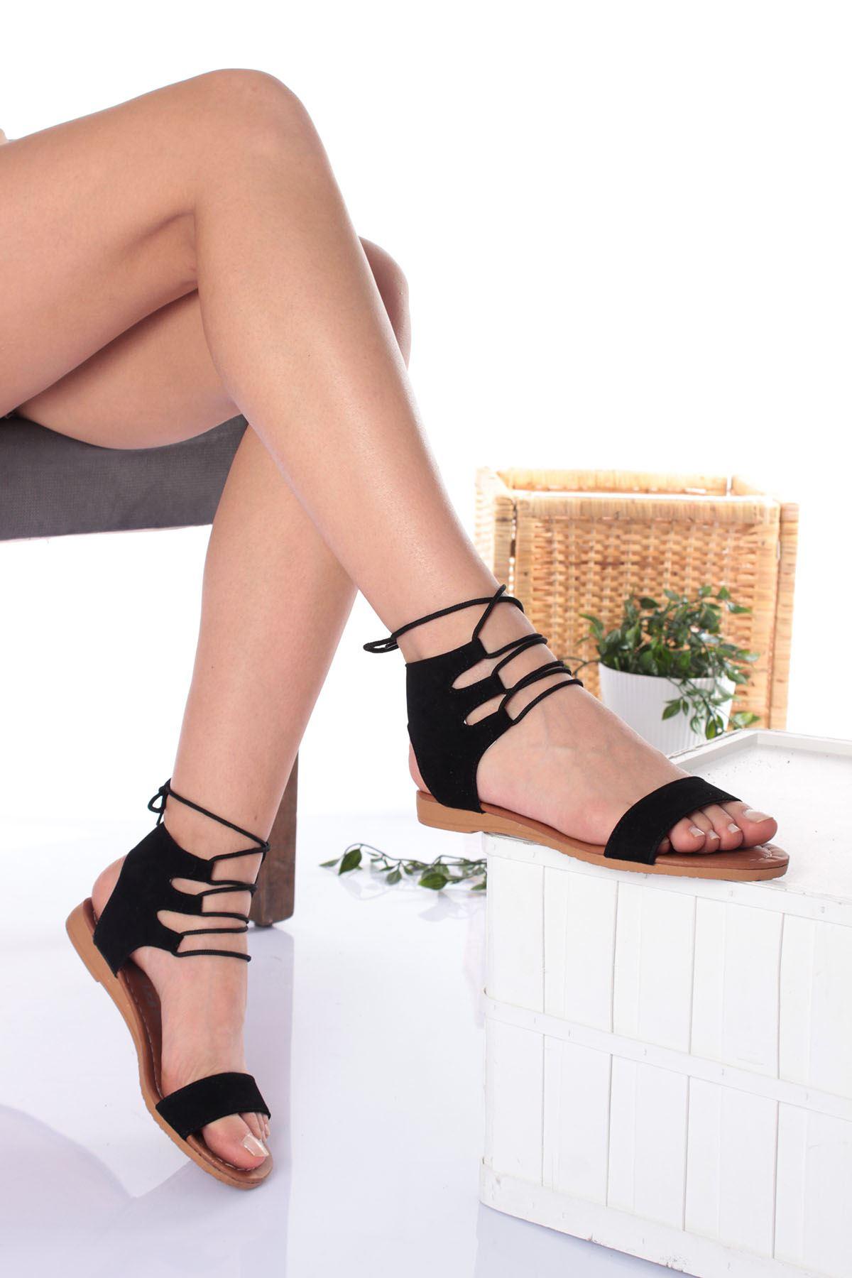 Tek Bant Bilekten Bağlamalı Siyah Süet Kadın Sandalet