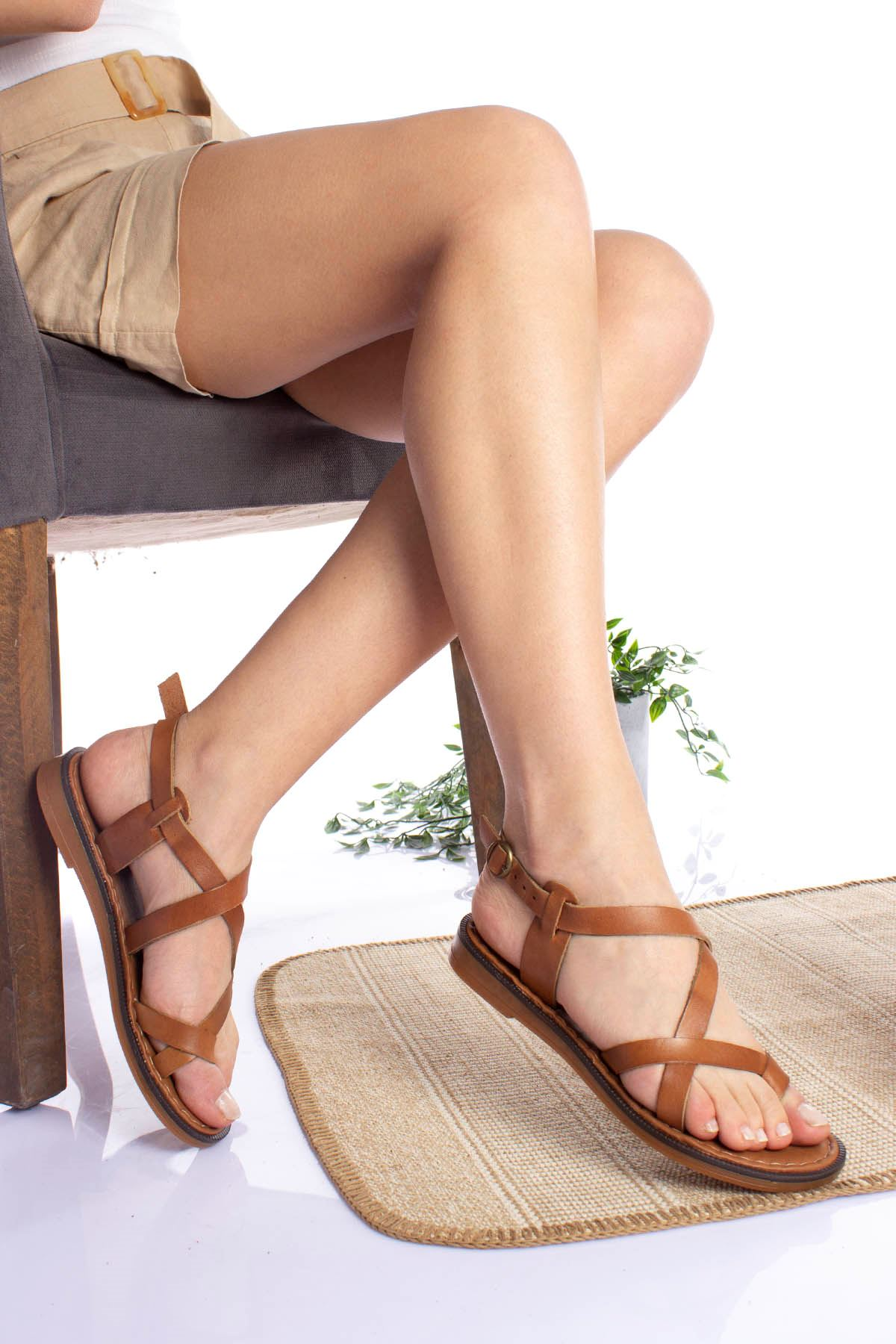 Çapraz Bant Parmak Arası Taba Kadın Sandalet