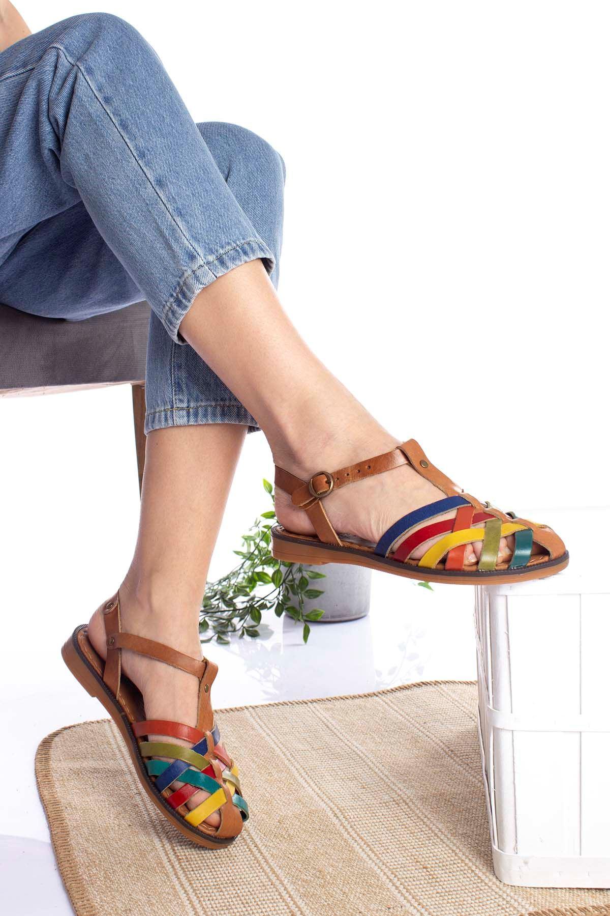 Çok Bantlı Renkli Kadın Sandalet
