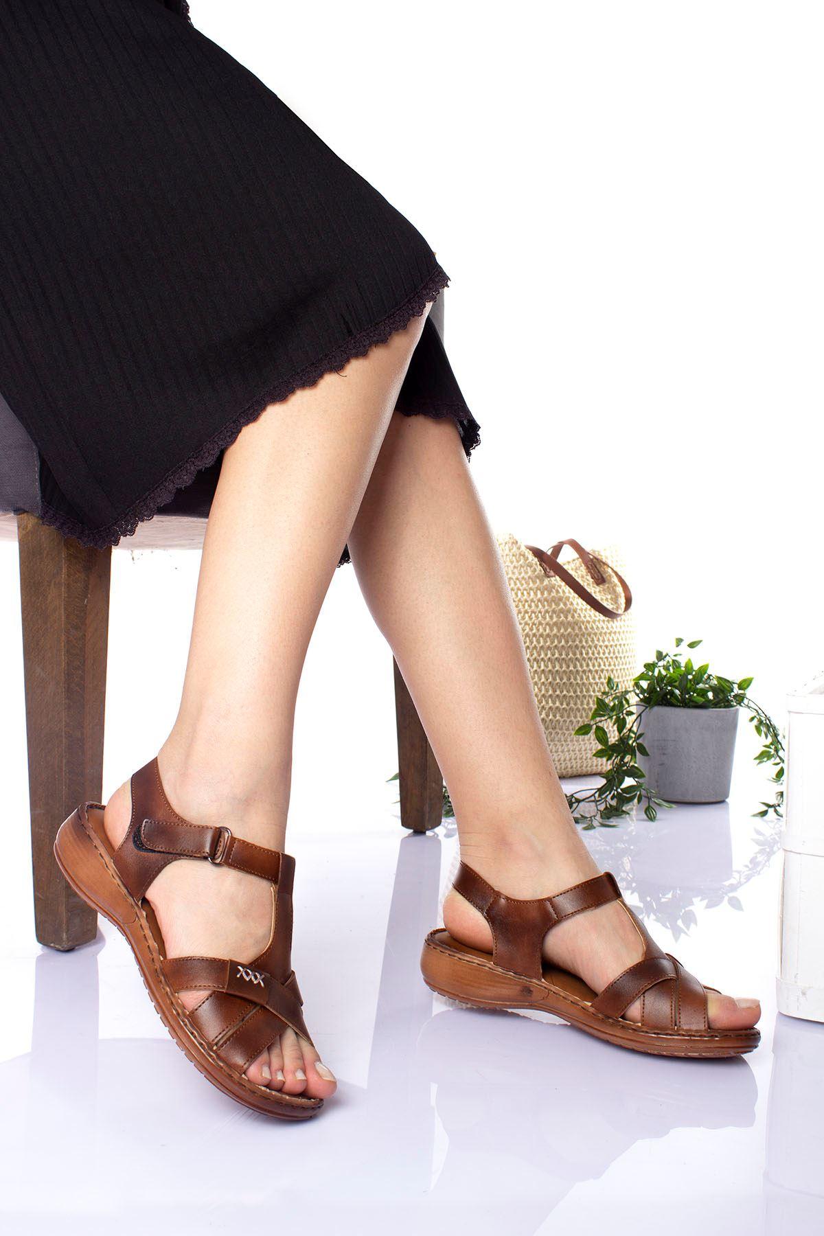 Ortopedik Ped İçi Deri Alçak Taban Kahverengi Sandalet