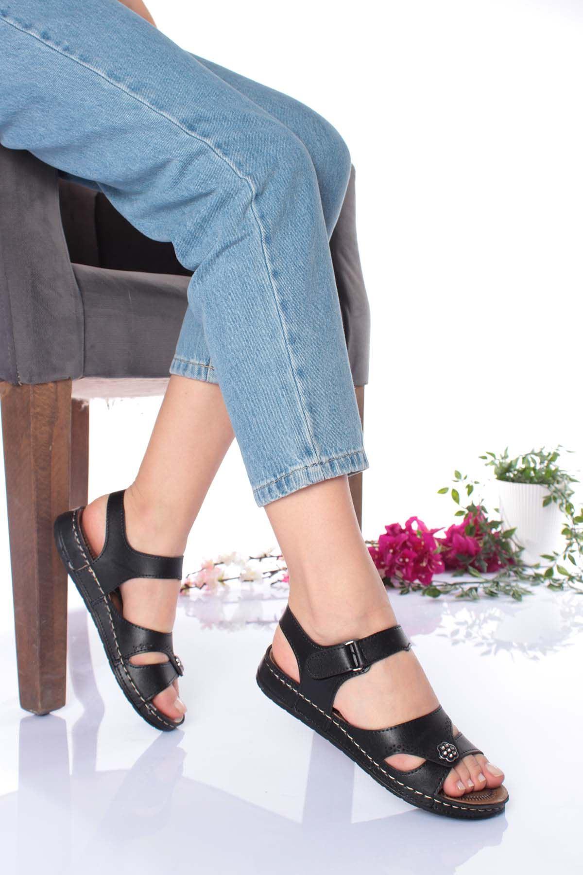 Ortopedik Taban Çiçek Taşlı Siyah Sandalet