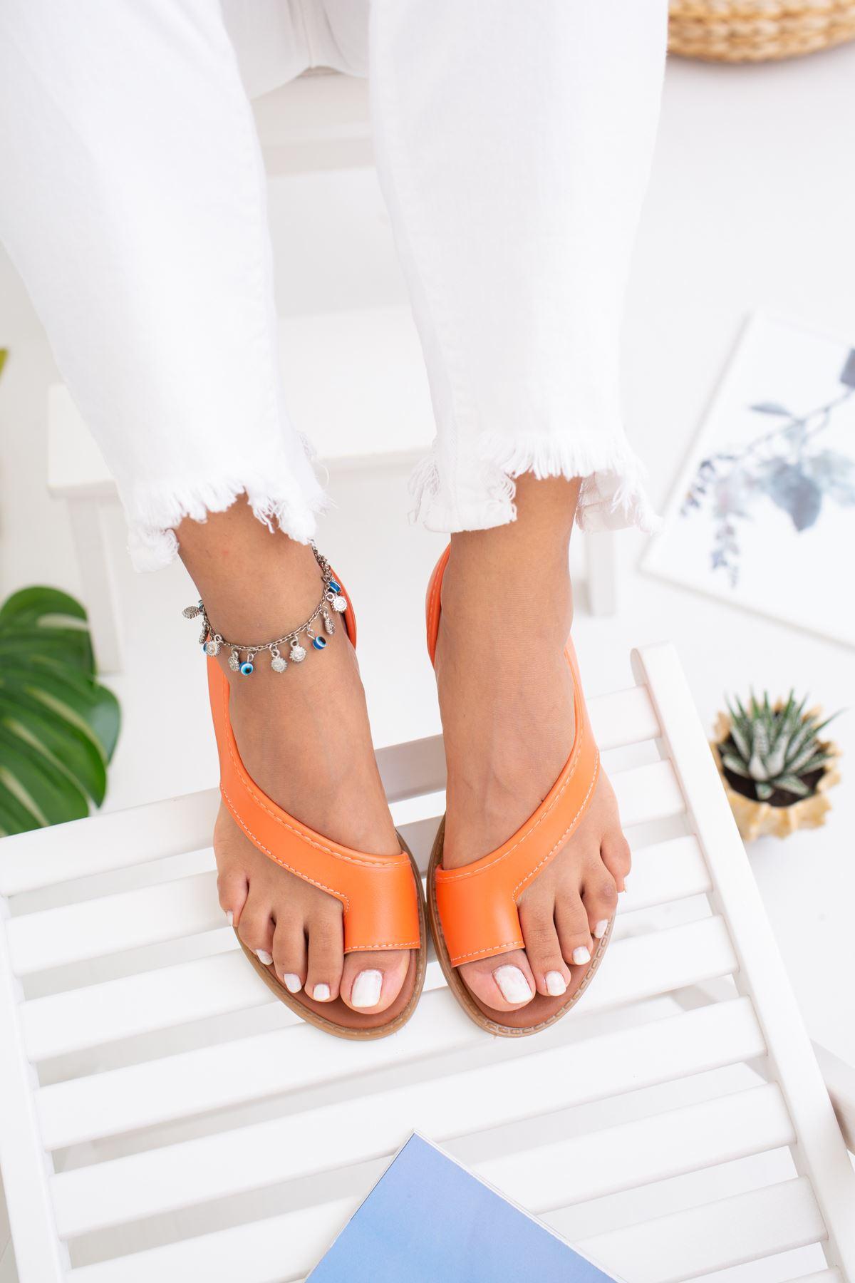 Parmak Arası Turuncu Sandalet