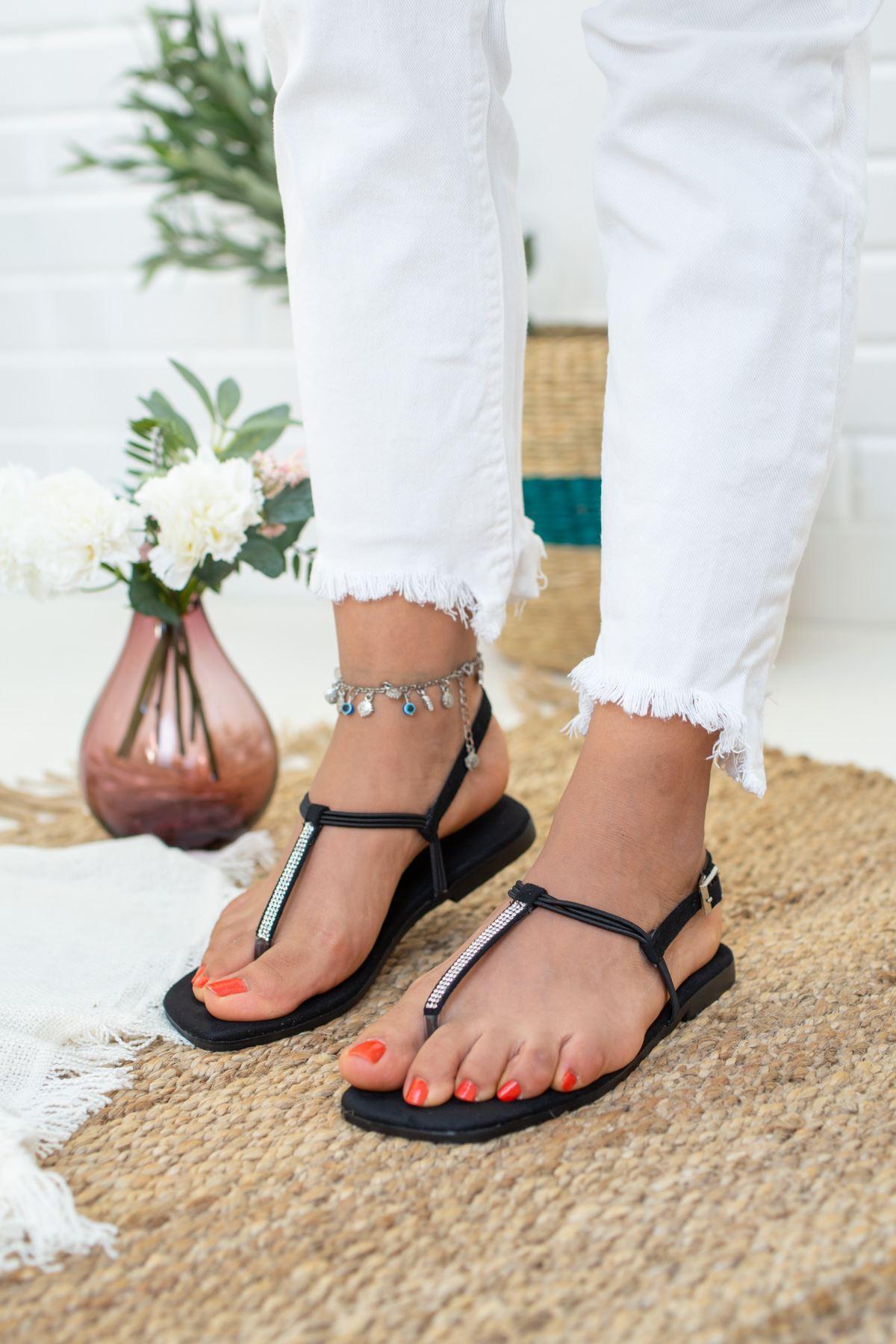 İnce Taşlı Siyah Süet Sandalet