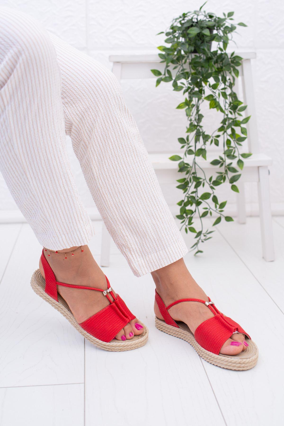 Kırmızı Hasır Sandalet