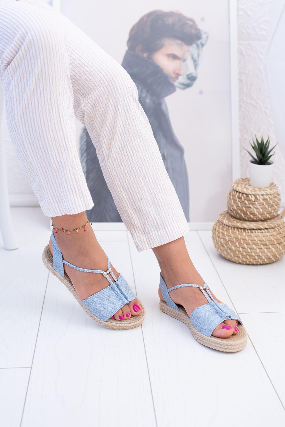 Mavi Hasır Sandalet