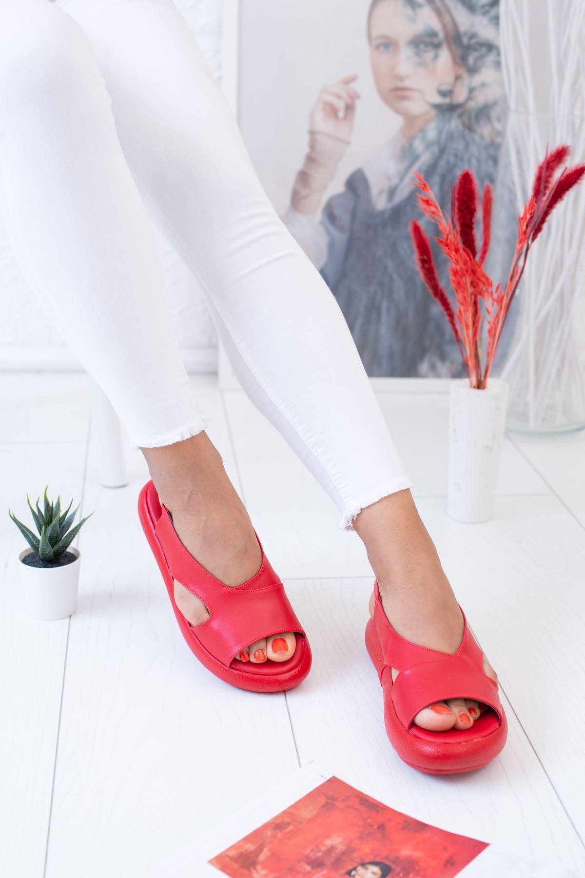 Tek Bant Arkadan Kemerli Kırmızı Sandalet