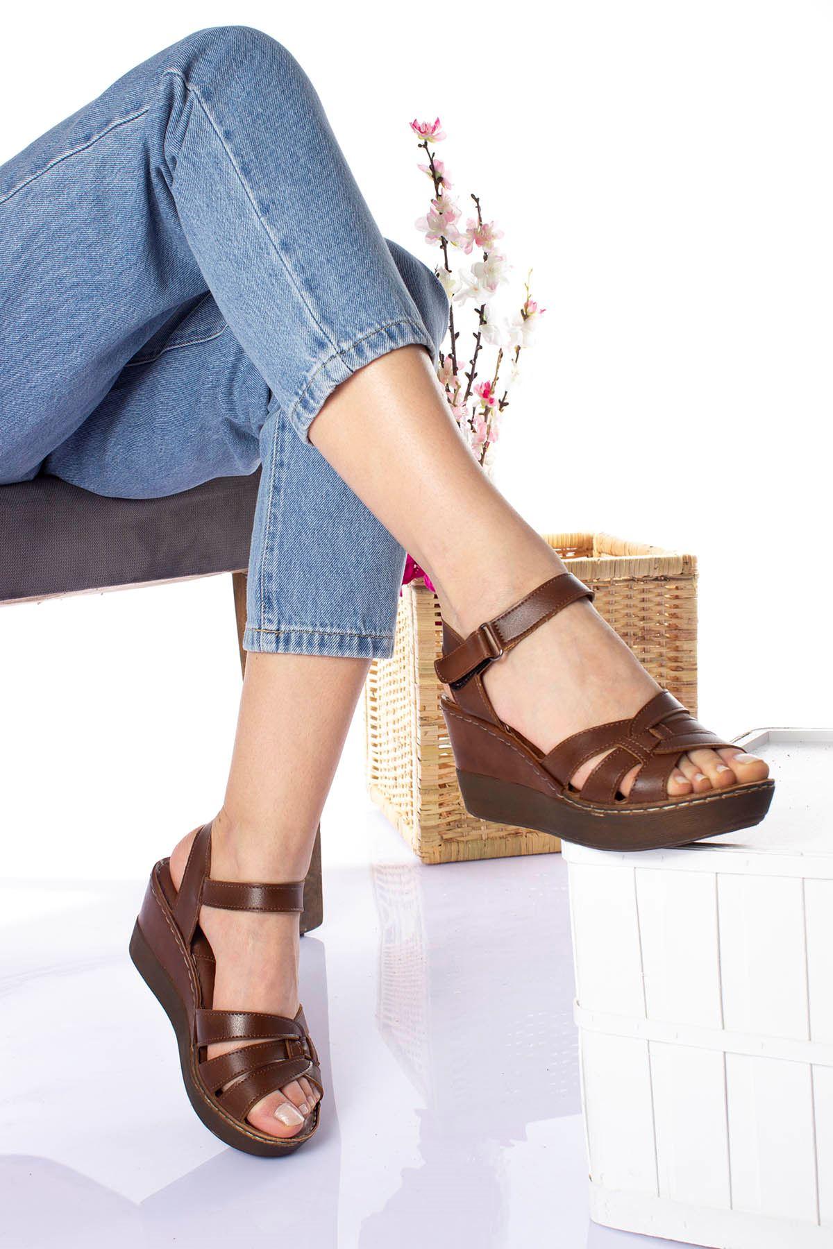 Ortopedik Ped İçi Deri Yüksek Taban Kahverengi Sandalet