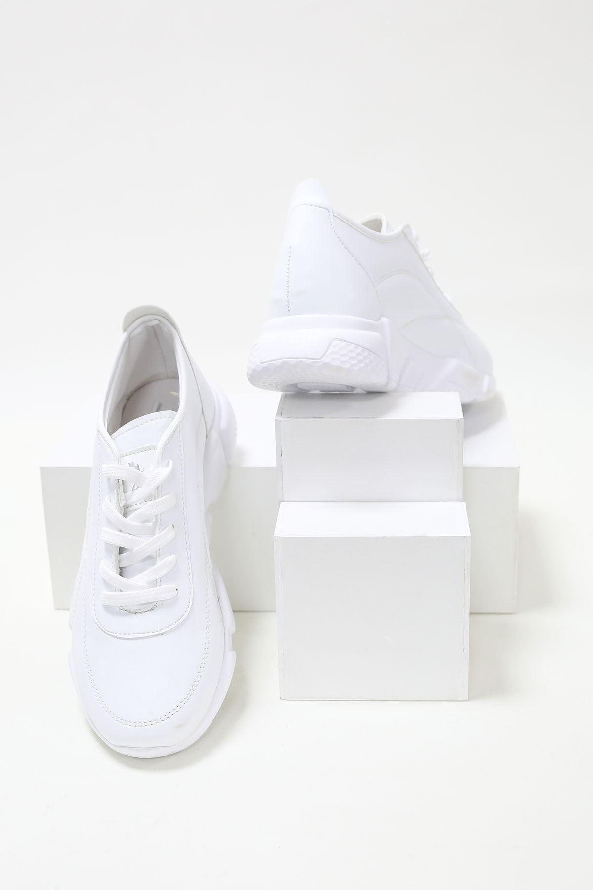 Alçak Taban Beyaz Cilt Spor Ayakkabı