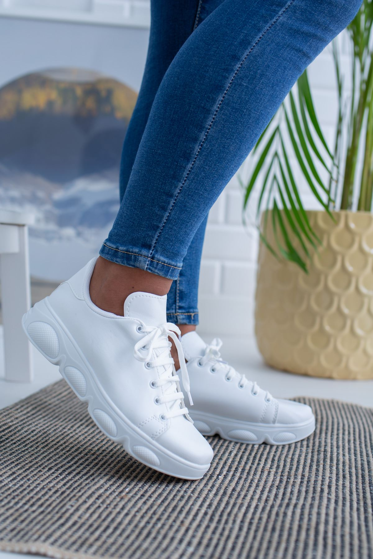 Beyaz Cilt Spor Ayakkabı