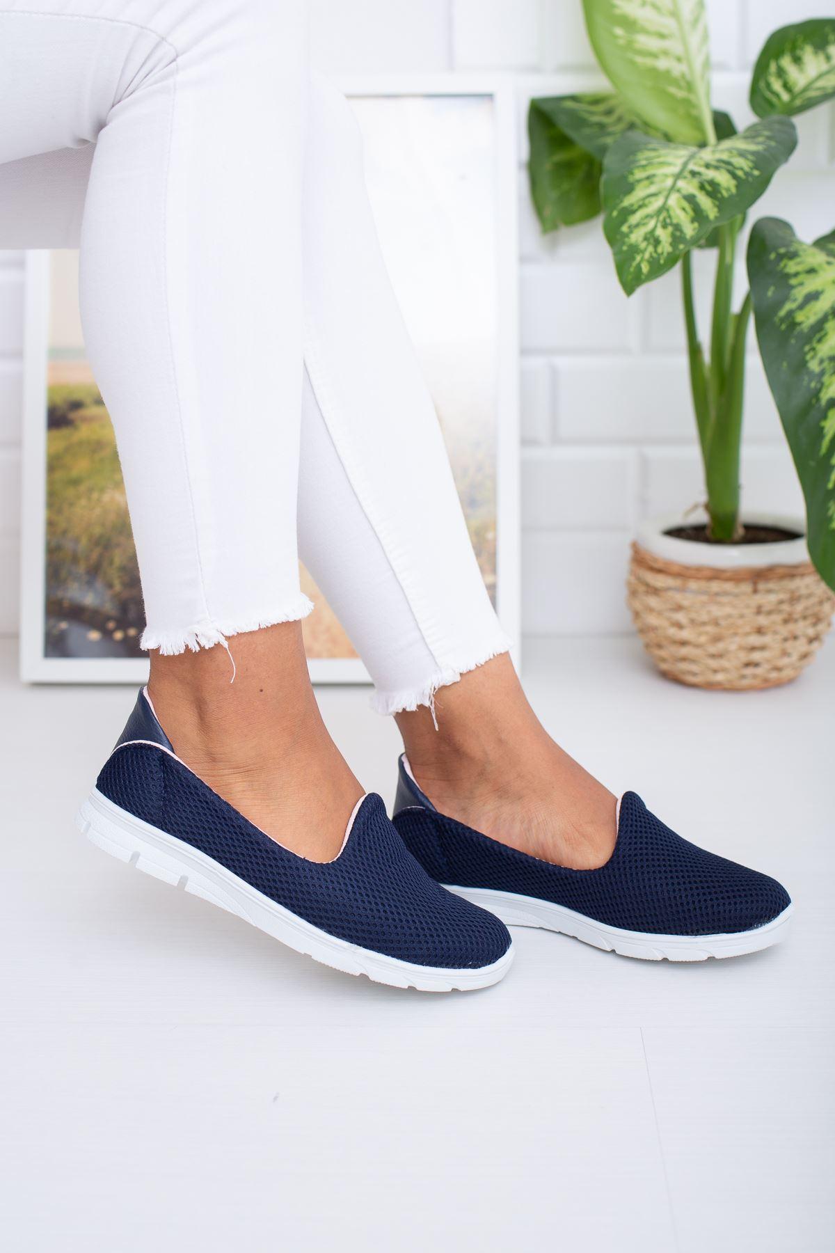 Lacivert Yürüyüş Ayakkabısı