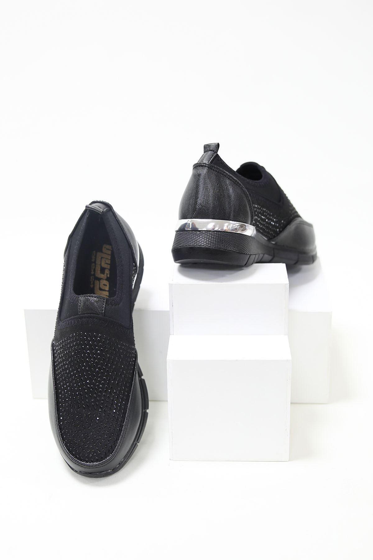 Üstü Streç Taşlı Ortopedik Pedli Siyah Spor Ayakkabı