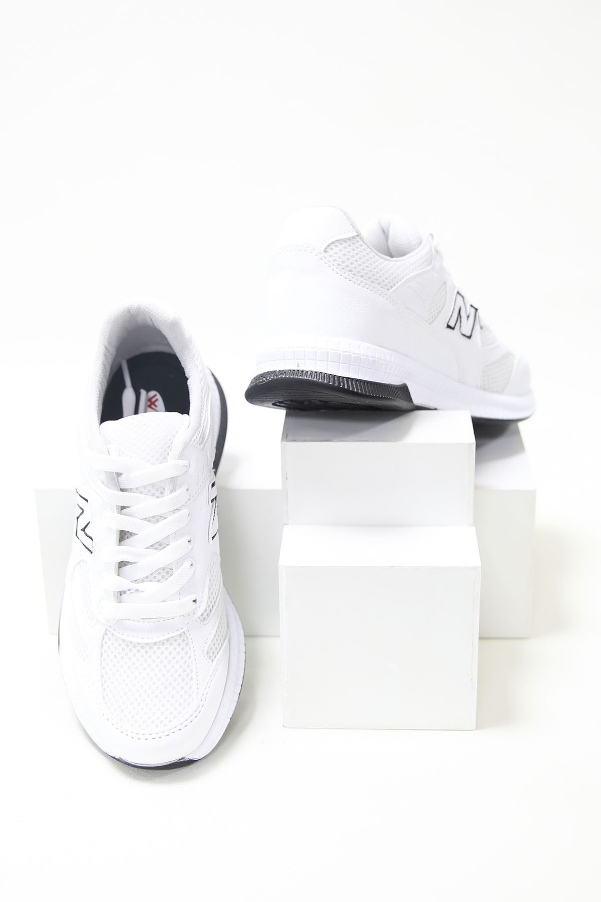 Fileli Bağcıklı Düz Beyaz Spor Ayakkabı