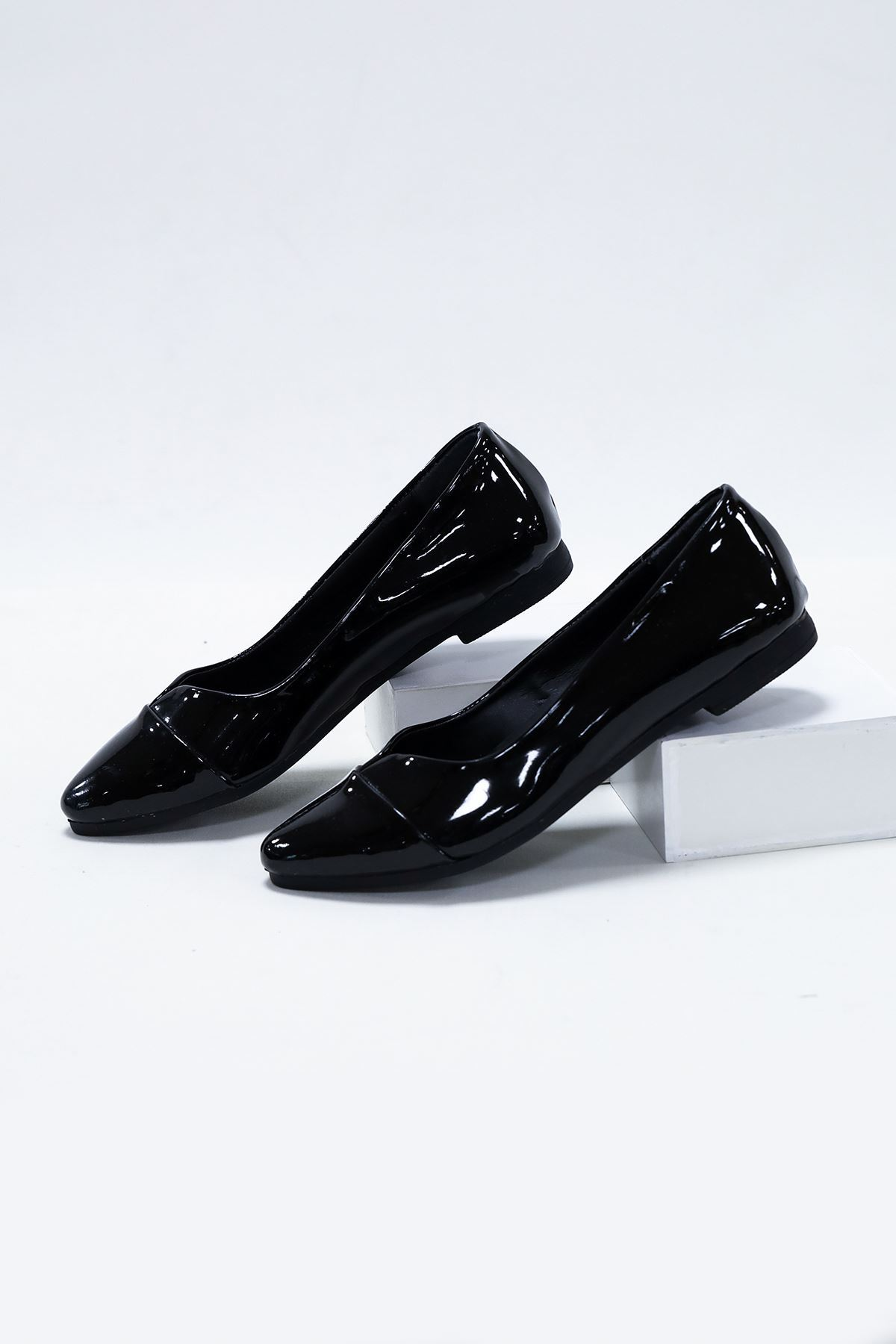 V Model Siyah Rugan Babet