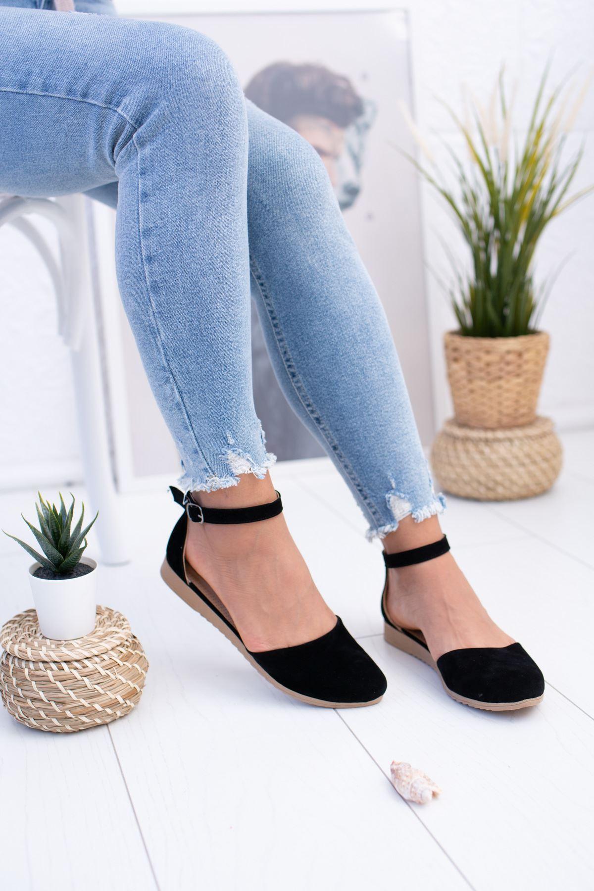 Bilekten Kemerli Siyah Süet Ayakkabı