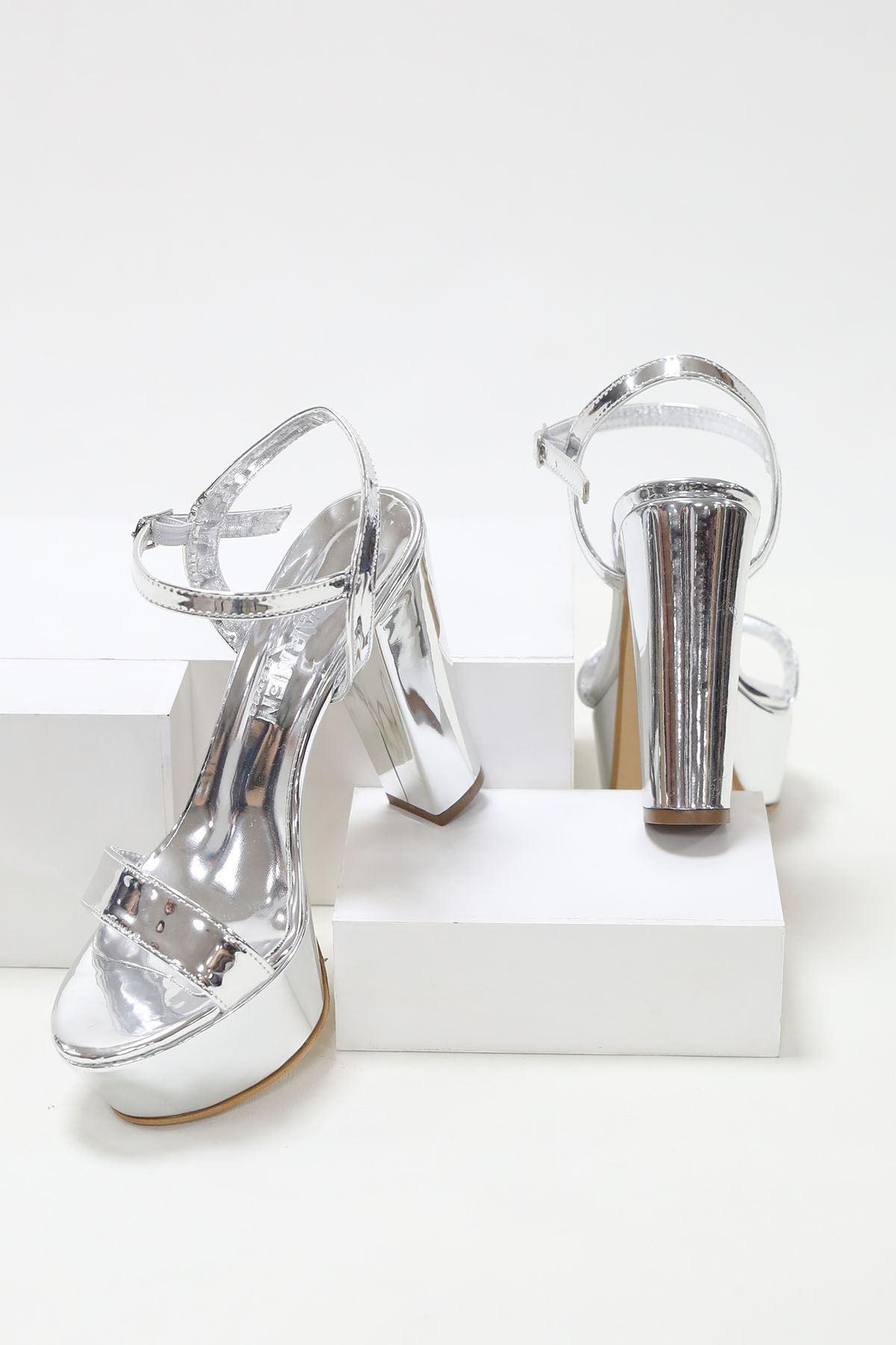 Yüksek Platform Arka Açık Gümüş Topuklu Ayakkabı
