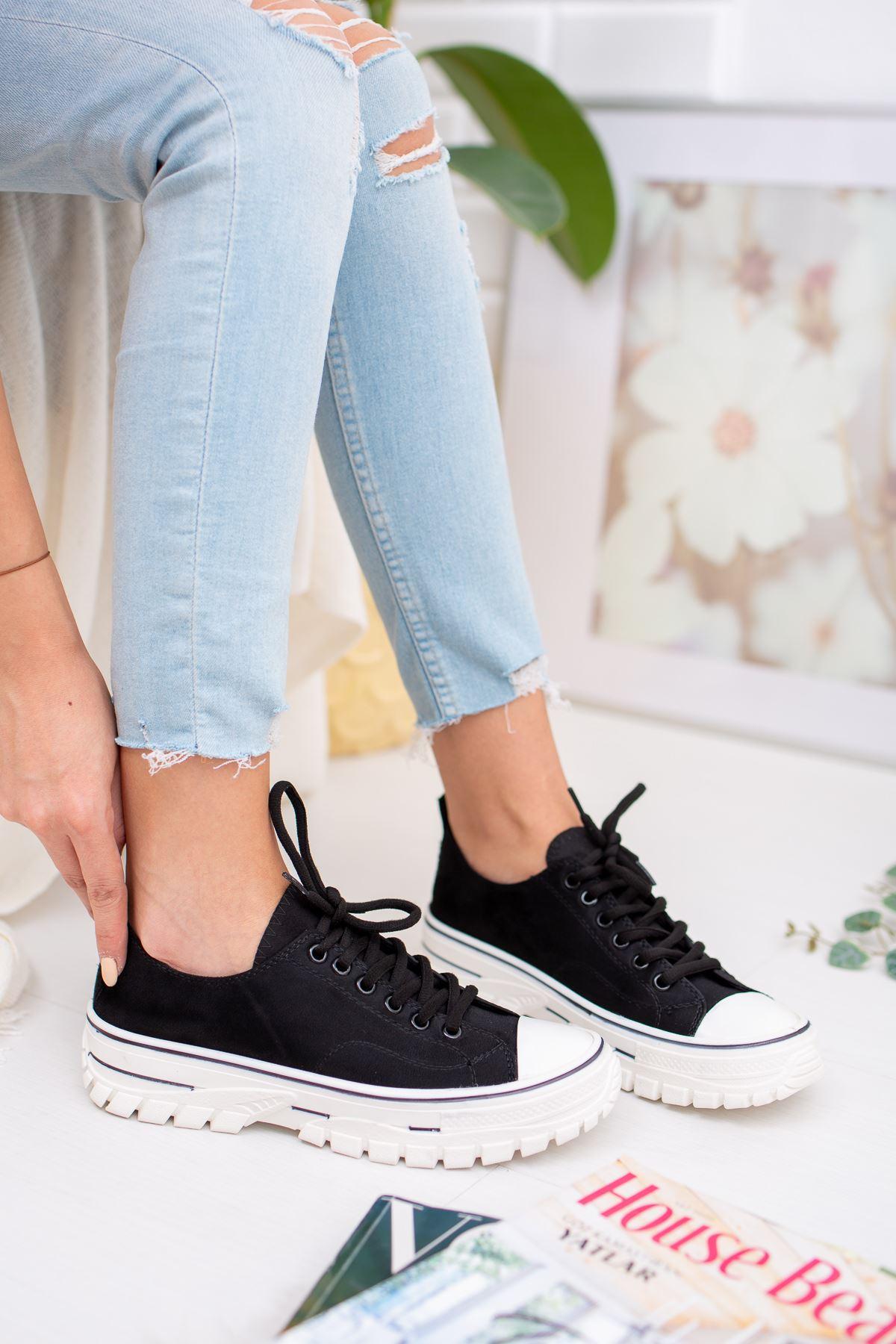 Bağcıklı Siyah Süet Spor Ayakkabı