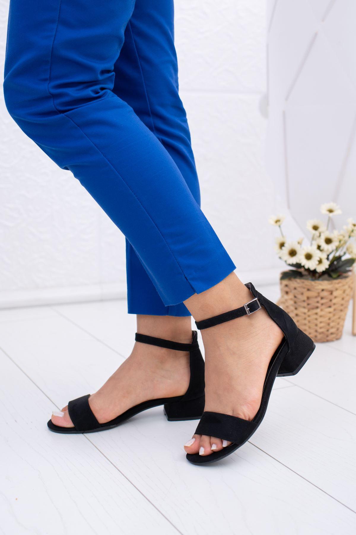 Tek Bant Kısa Ökçeli Siyah Süet Ayakkabı