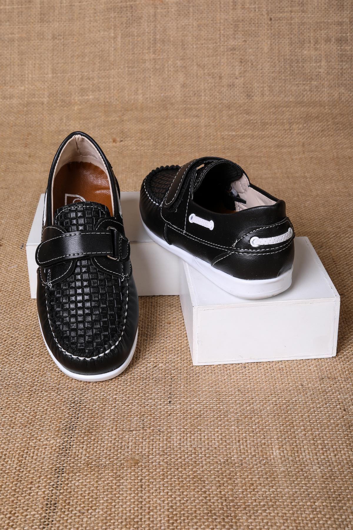 Siyah Baskılı Cırtlı Erkek Çocuk Ayakkabı
