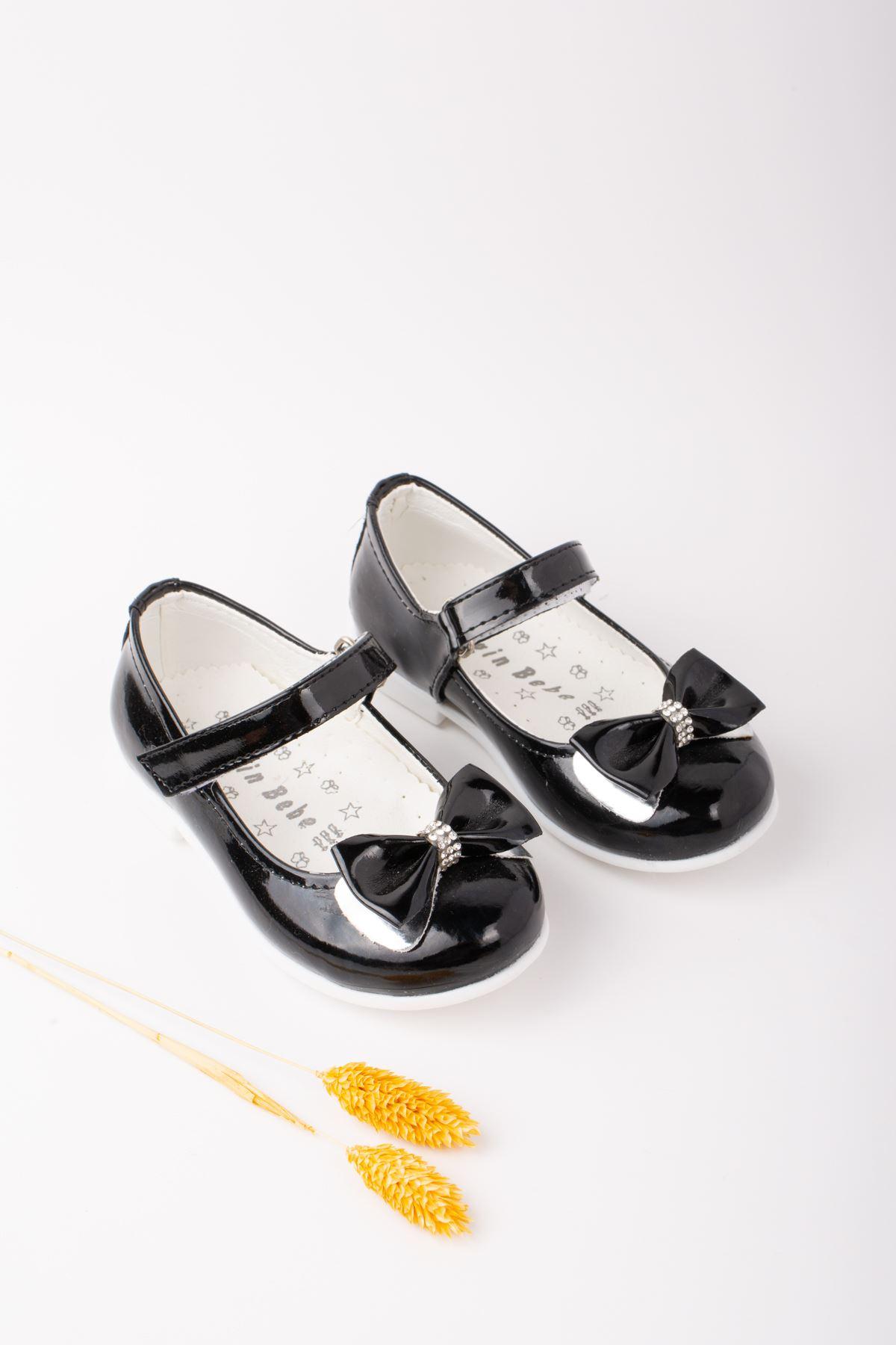 Kız Bebe Rugan Ayakkabı