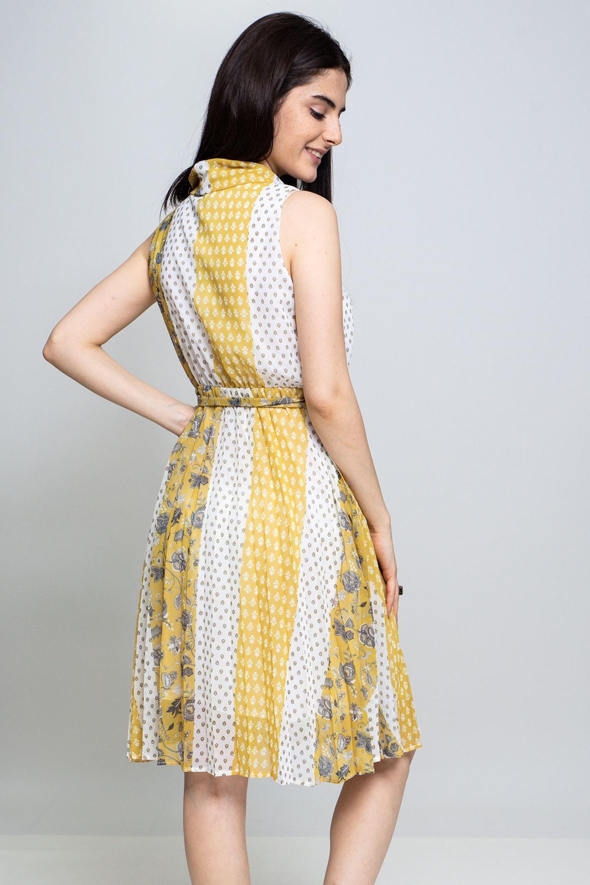 Pileli Degaje Yaka Elbise