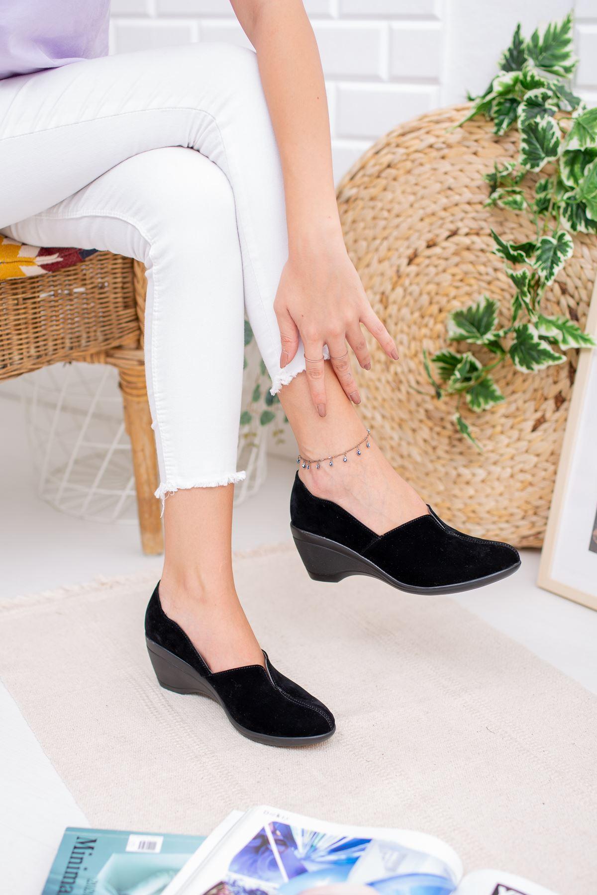 Dolgu Taban Önden Yırtmaçlı Kadın Ayakkabı