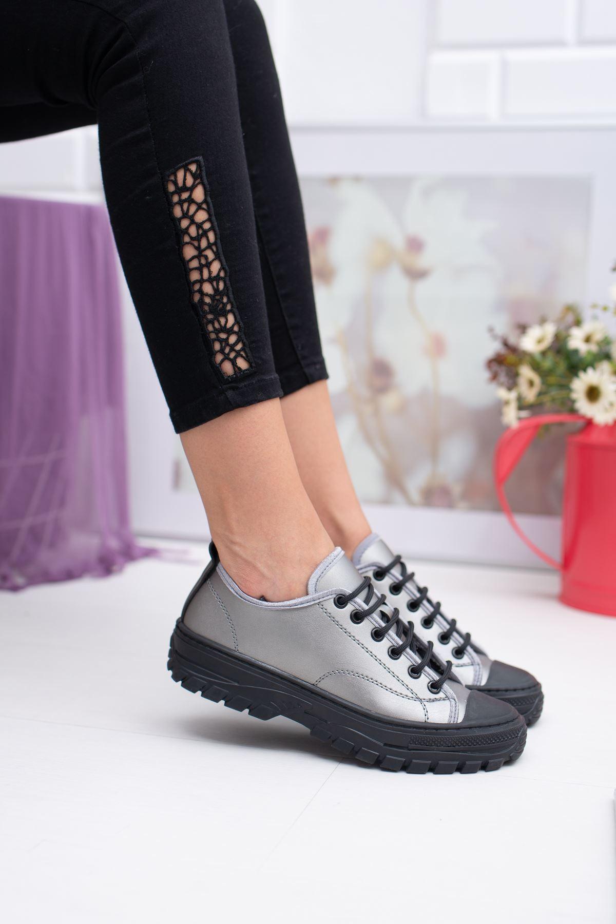 Bağcıklı Gri Cilt Spor Ayakkabı