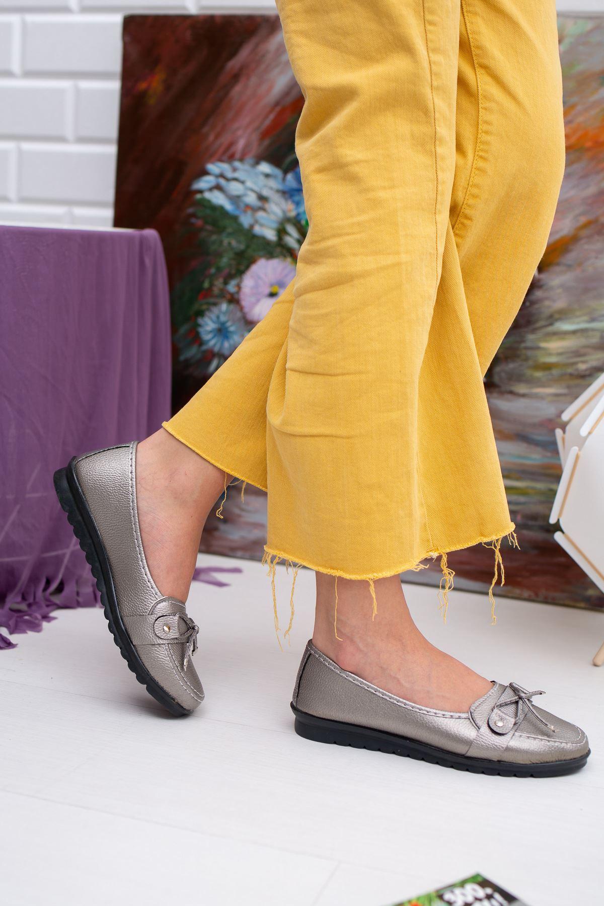 Fiyonklu Platin Cilt Ayakkabı