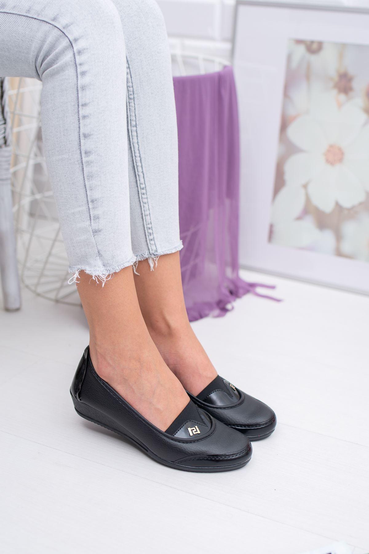 V Model Taşlı Lastikli Siyah Cilt Ayakkabı