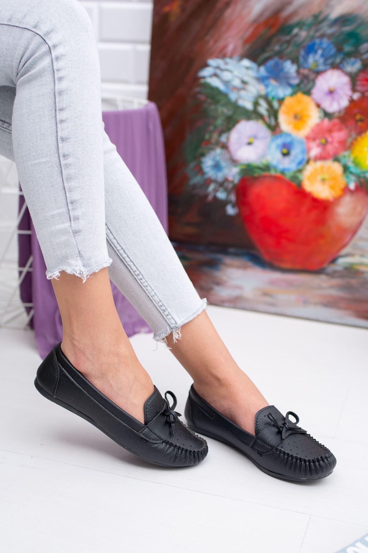 Bıyık Fiyonklu Lazerli Babet Ayakkabı