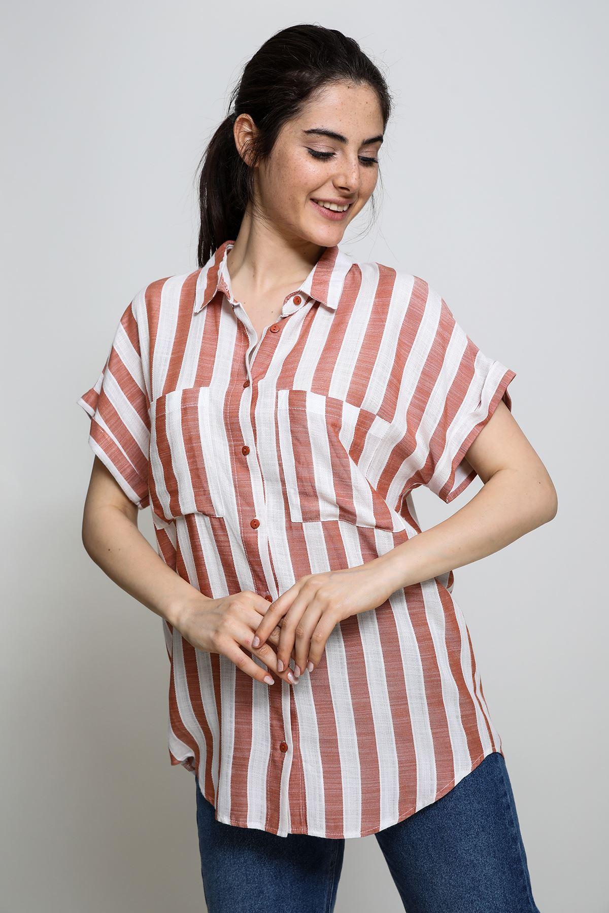 Çizgili Kısa Kollu Cepli Gömlek