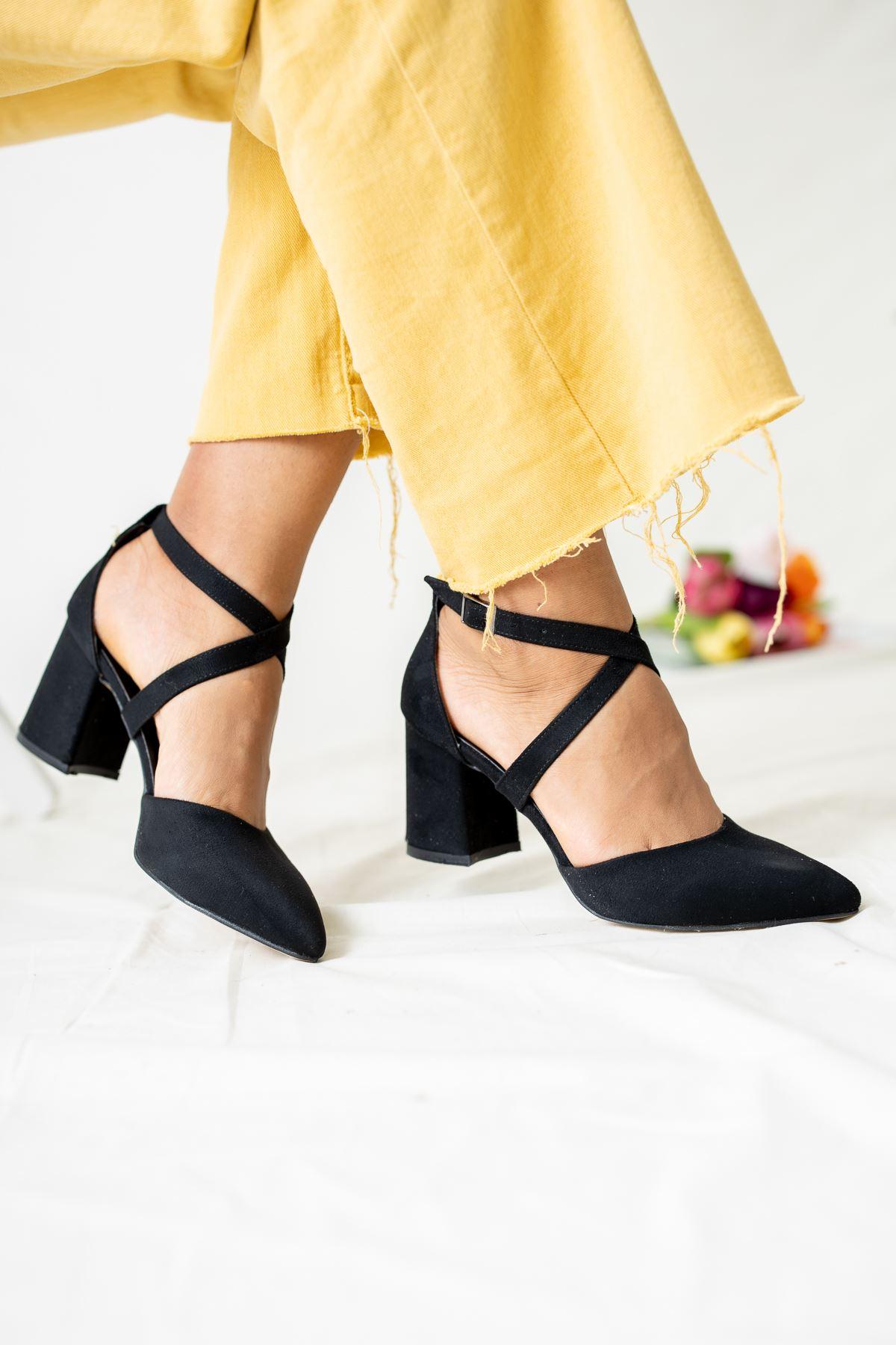 Sivri Burun Çapraz Bant Kadın Ayakkabı