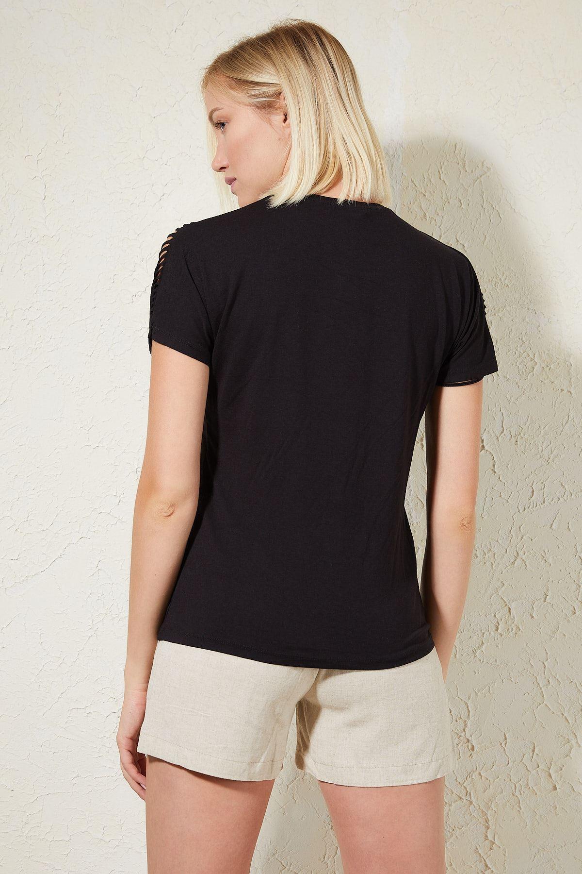 Kolu Lazer Kesim Siyah Penye Bluz