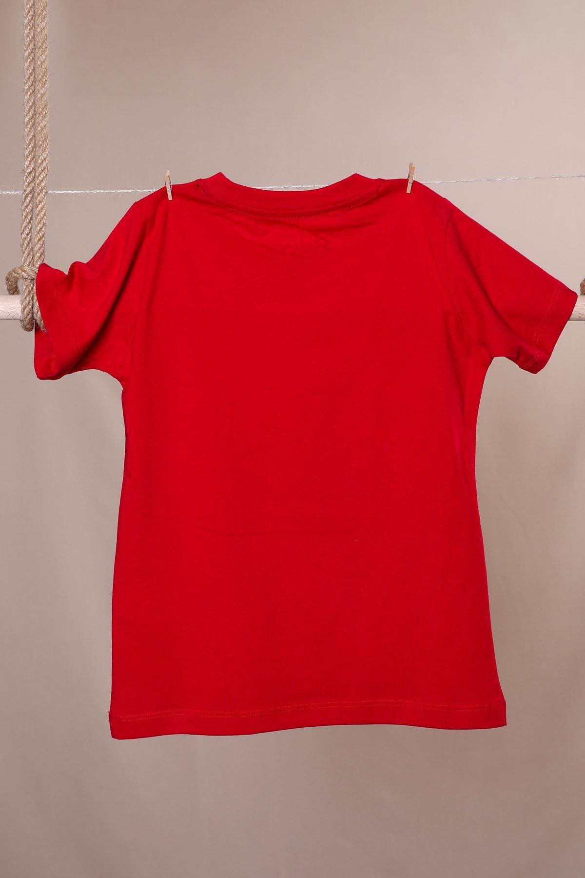 Dinazorlu Aksesuarlı T-shirt